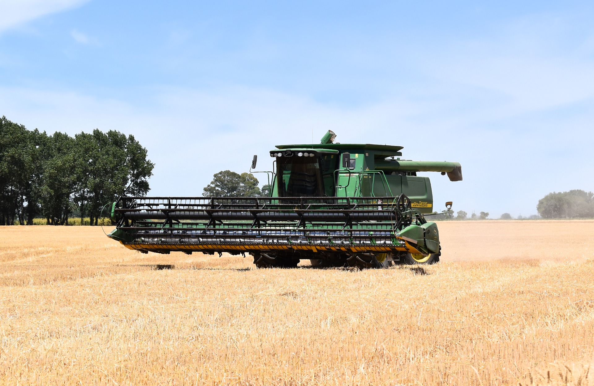 auction tips for buying a used combine harvester at auction